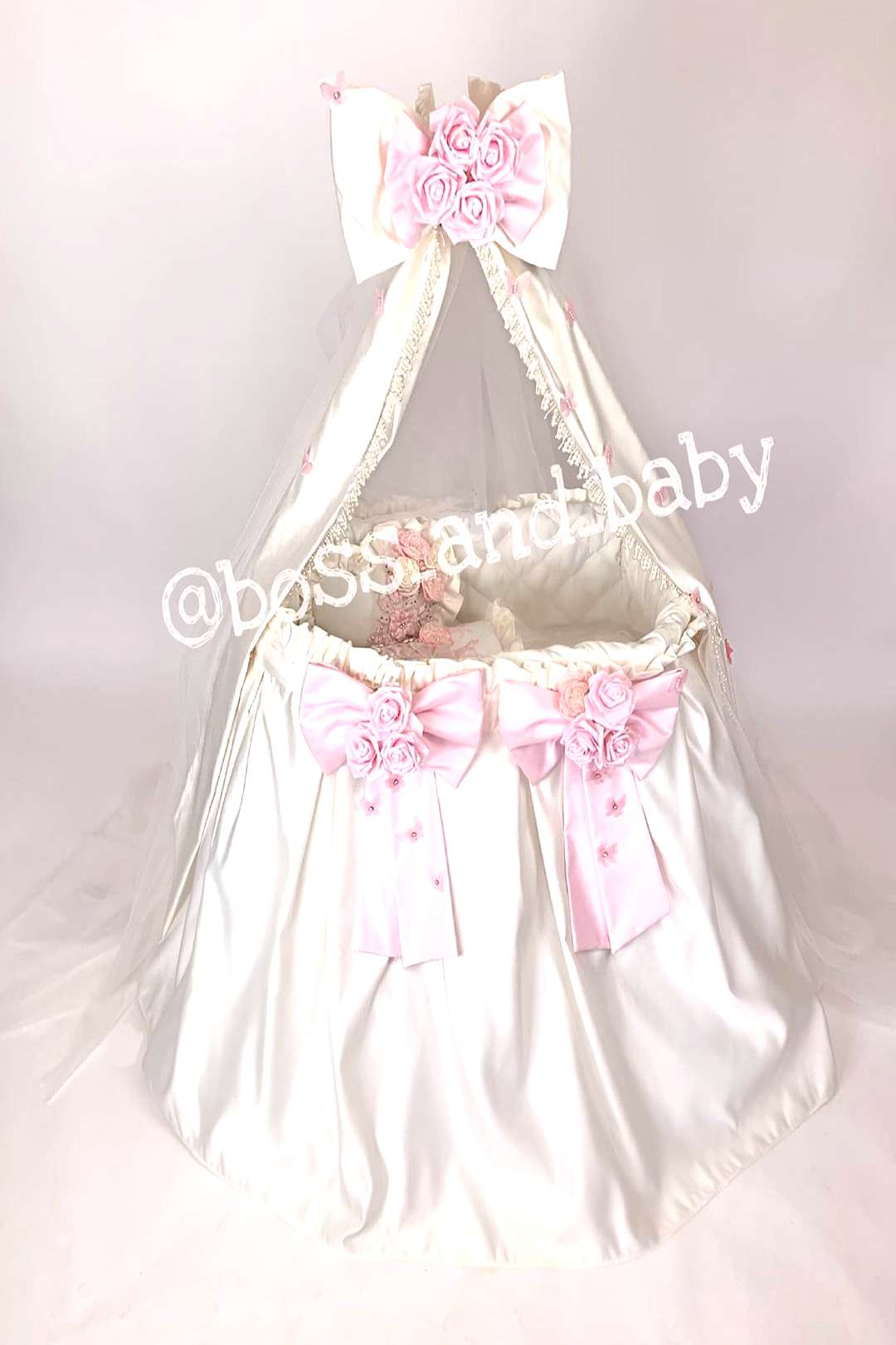 Bassinet for your little angel This set includes -bassinet -cano