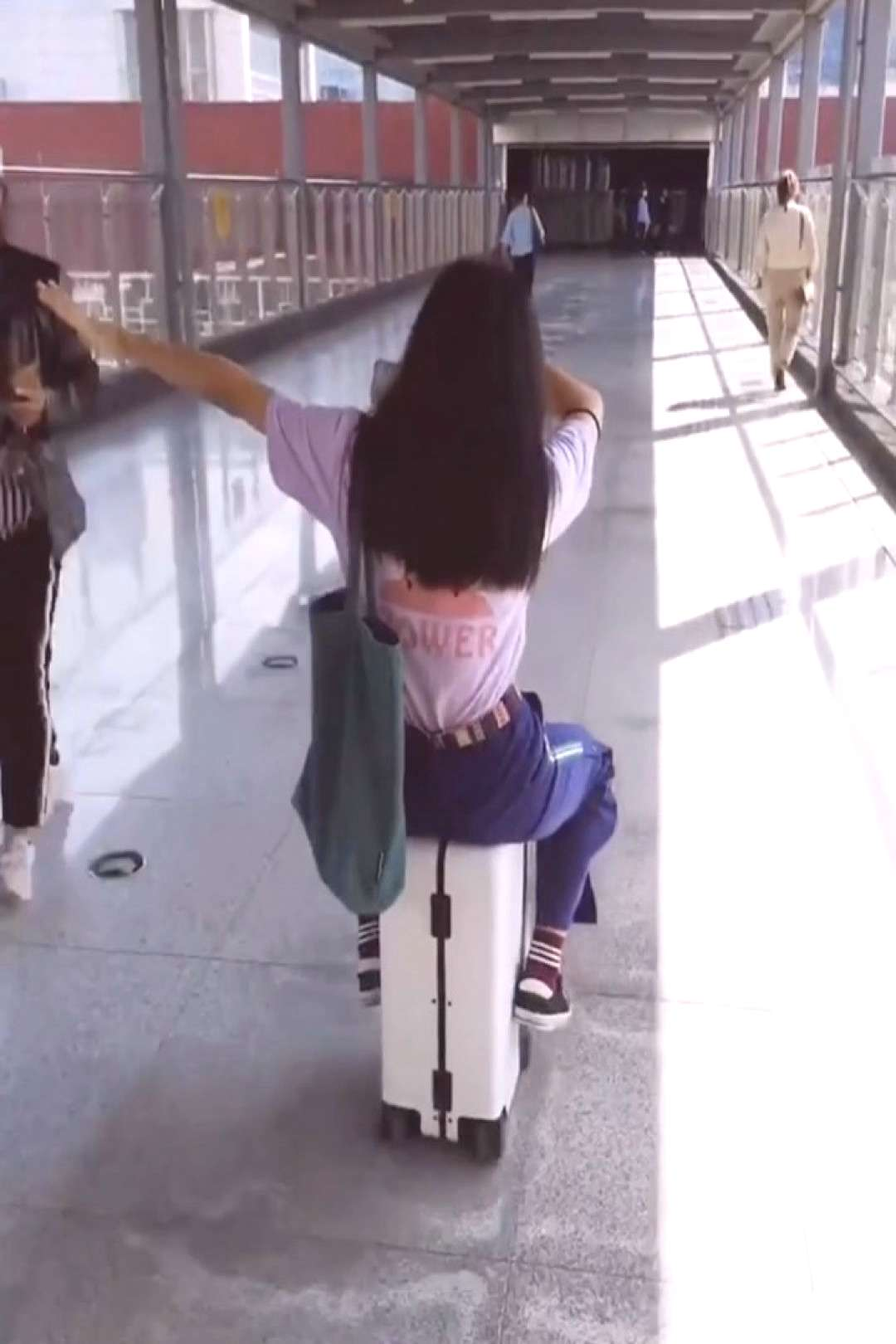 Dont worry about losing your luggage anymore. No one can steal y