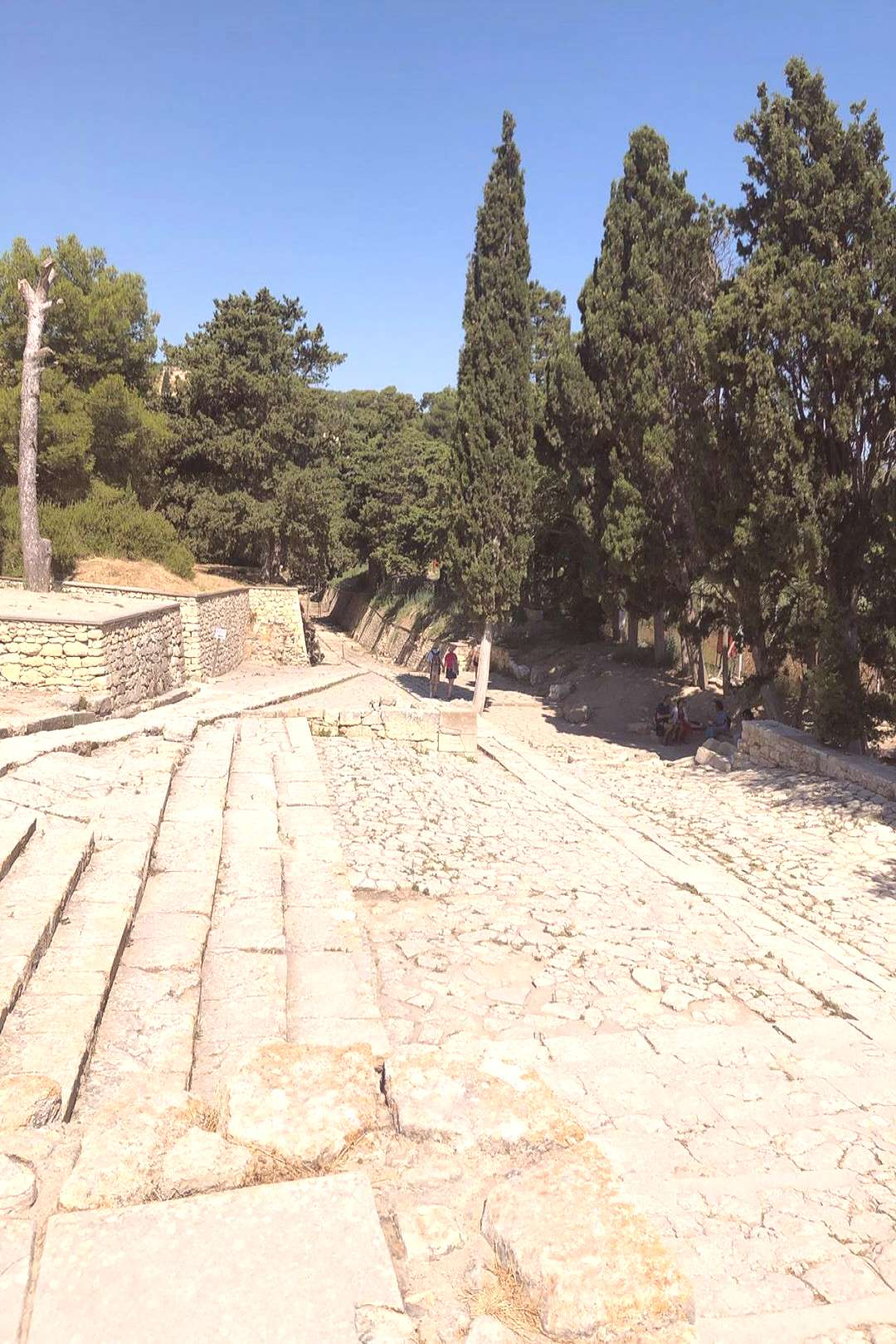 Geek roads at the knossos palace, honest was an amazing experienc