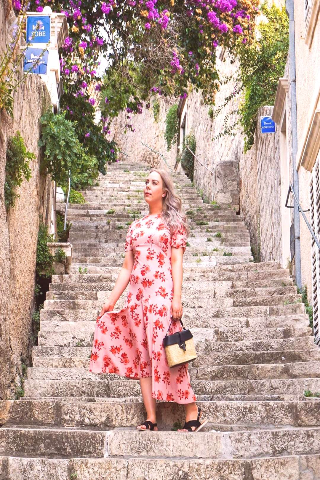 [PR gift] Dubrovnik, the city of steps Strolling around the UNESC