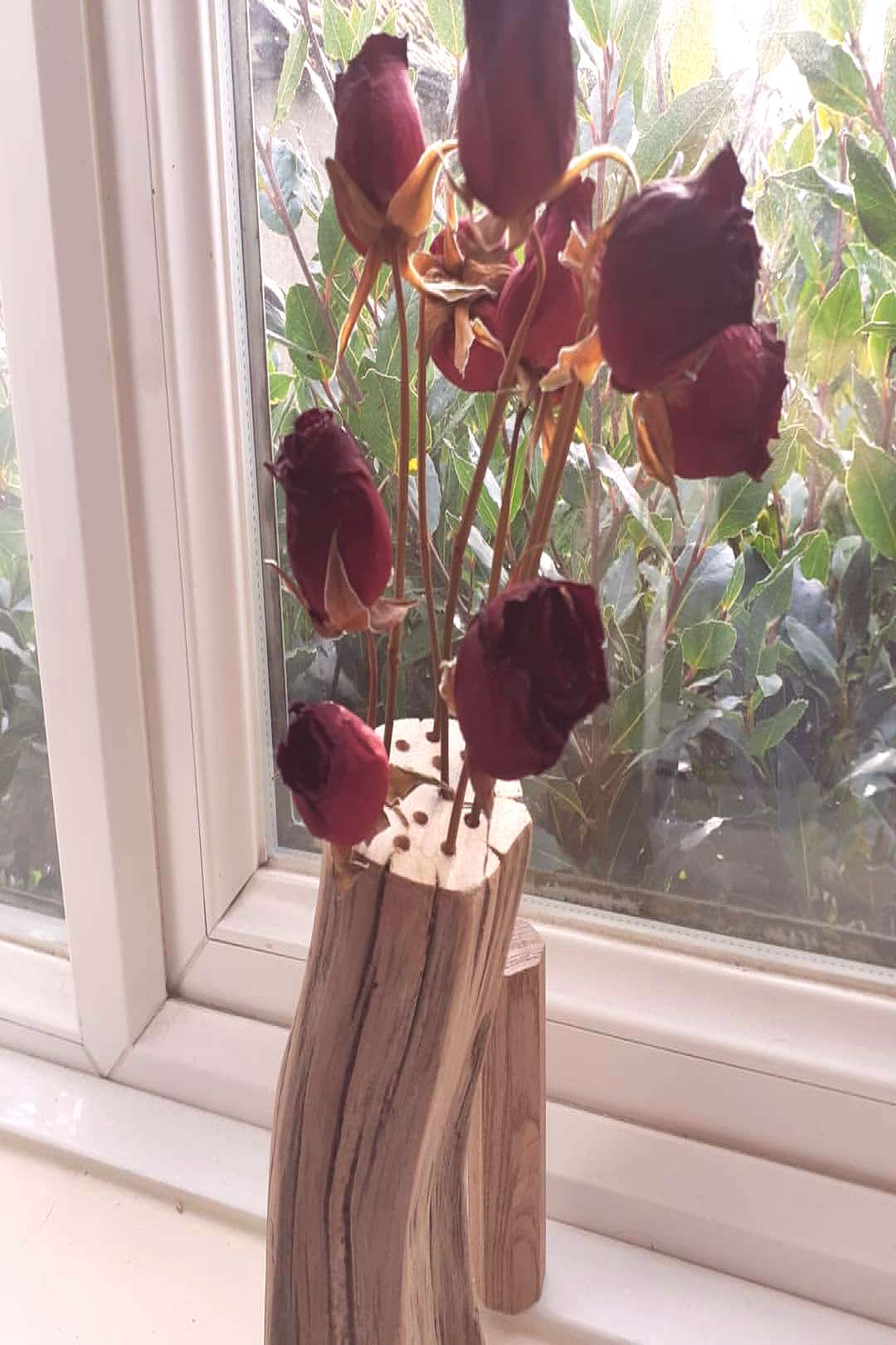 Simple idea for extend valentines. Dry the roses when create a un