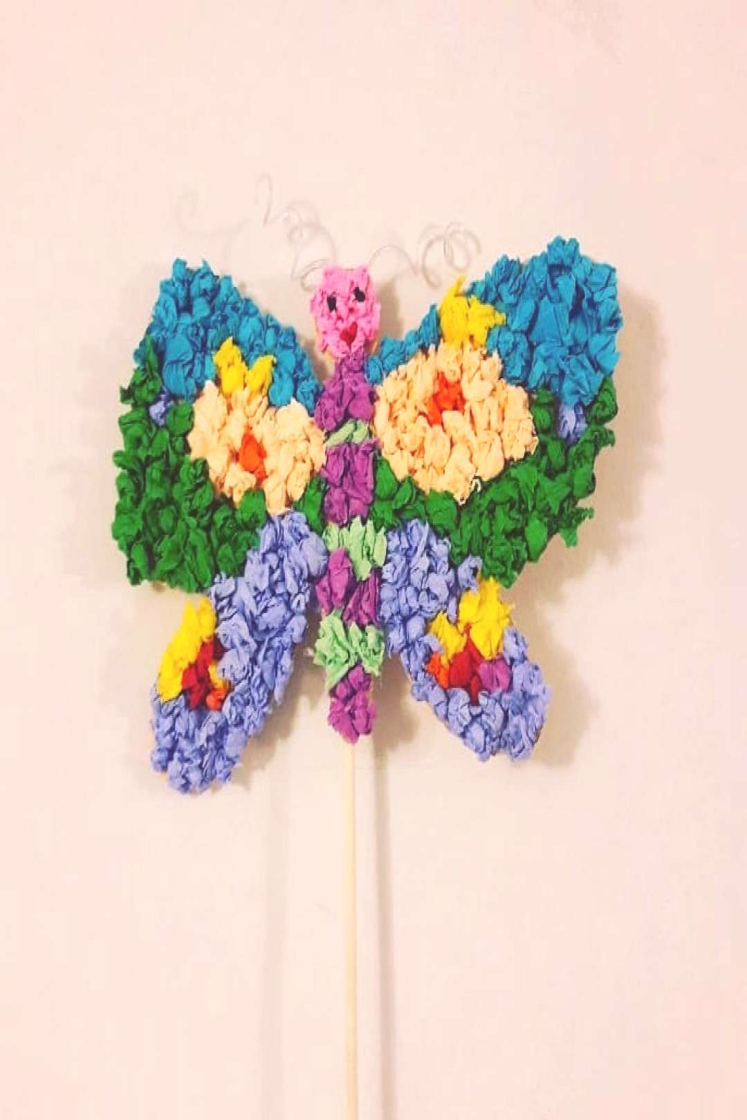 Waiting for spring with this butterfly #crepepaper#prickingcushio